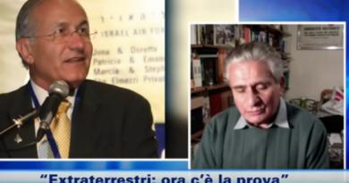 Roberto Pinotti, scrittore, giornalista e ufologo italiano Il generale in pensione Haim Eshed, responsabile del programma di sicurezza spaziale dello Stato ebraico dal 1981 al 2010,