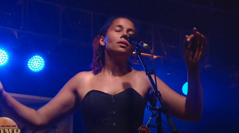 Rhiannon Giddens at ROMP Festival 2018