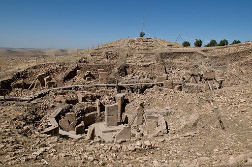 """Prima dei Sumeri,degli Egiziani e dei Maya: """"Göbekli Tepe""""-12.500 anni fa una comunità…"""